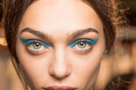 Eyeshadow Inez No 9 blue the makeup trend that s a real moment