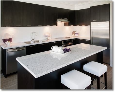 black kitchen cabinets or white kitchen cabinets