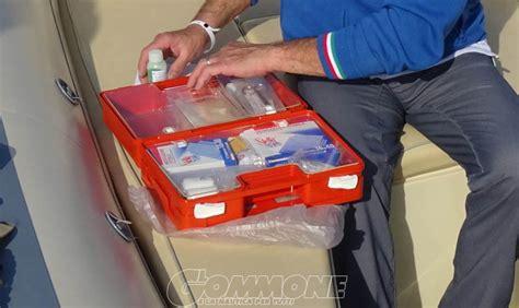 cassetta di pronto soccorso la cassetta pronto soccorso il gommone