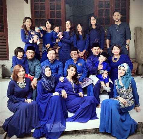 Keluarga Family For Biru Abu gambar serba biru maembong raya 2014
