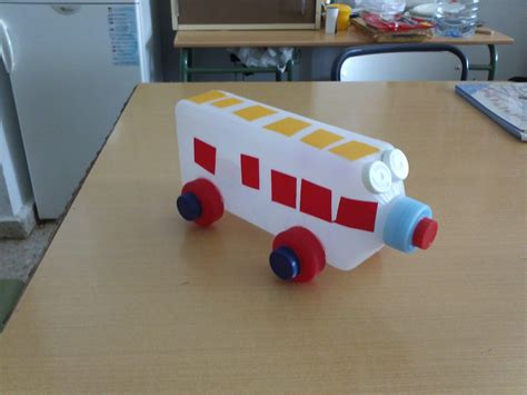 medios de comunicacion hecho con material reciclado taller de manualidades medios de transporte reciclados