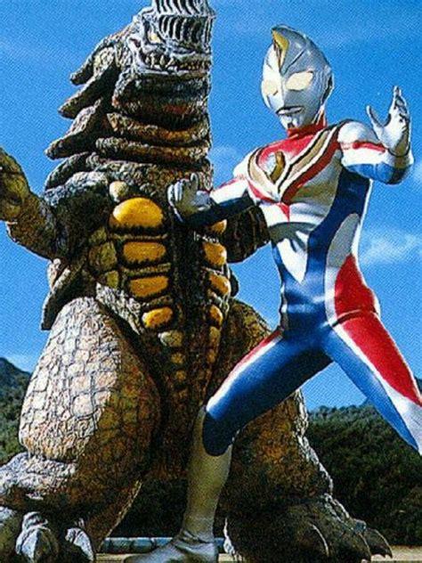 Patung Ultraman 3 6 seri ultraman paling digemari sepanjang masa news