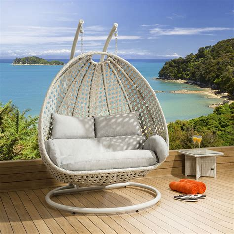 hanging chair swing luxury outdoor 2 person garden pod hanging chair swing