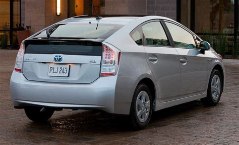 2010 Toyota Prius Car And Driver