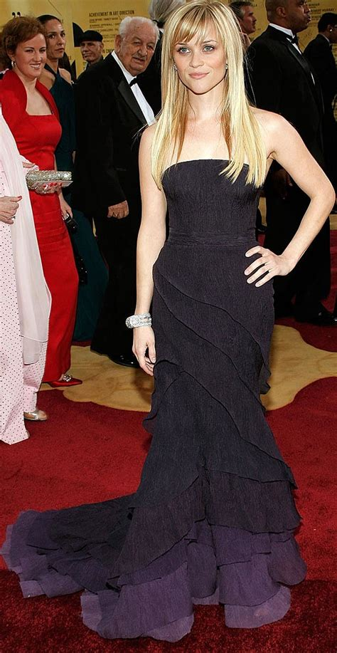 Reese Witherspoon At The 2007 Oscars by Reese Witherspoon Style Breakdown What S Right What S
