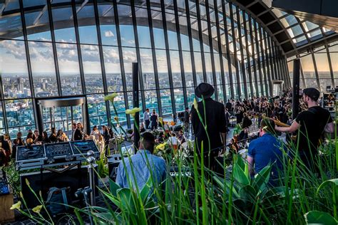 sky gardens great gatsby  years eve party city