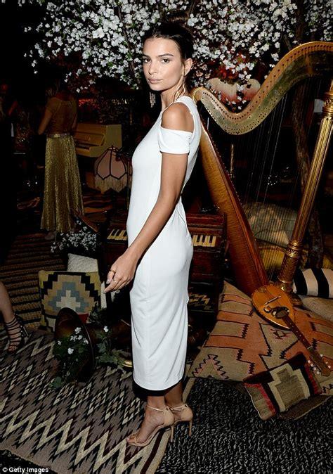 Heat Up Bcbg Front Row by Emily Ratajkowski Wears White At Daily