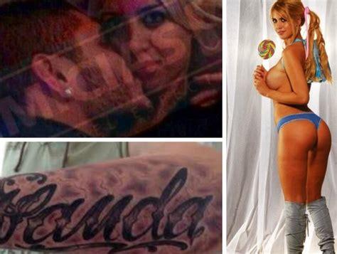 imagenes de tatuajes de wanda nara sigue el culebr 243 n con wanda nara mauro icardi y maxi l 243 pez