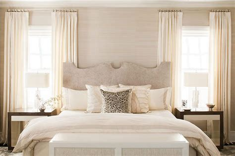 neutral bedroom curtains 25 best ideas about ivory bedroom on pinterest hallway