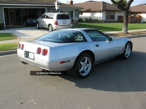 1996 Corvette Collectors Edition Specs by 1996 Chevrolet Corvette Collector S Edition Hatchback 2