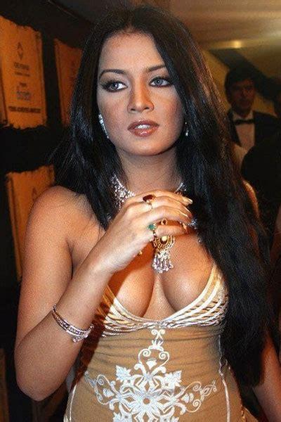Actresses Wardrobe Malfunction Pictures india actresses wardrobe