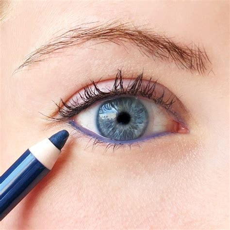 7 Tricks For Applying Eyeliner by 10 Winged Eyeliner Mistakes You Need To Avoid