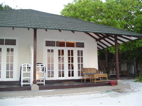 meedhupparu bungalows villa near to water bungalows picture of adaaran