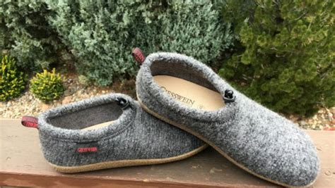most comfortable slippers for 5 most comfortable slippers for 2016