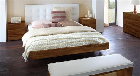 kopfteil paneel massivholzbett mit wandpaneel als hohes kopfteil bianco
