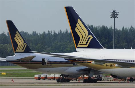 singapore air ceo sees cargo demand slowing  trade