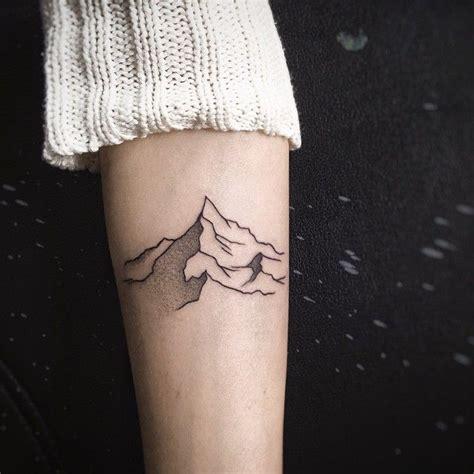 minimalist tattoo mountain one more minimalistic mountain tat i n k pinterest