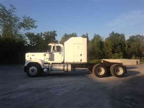 Mack Superliner Sleeper by Mack 1989 Heavy Duty Trucks