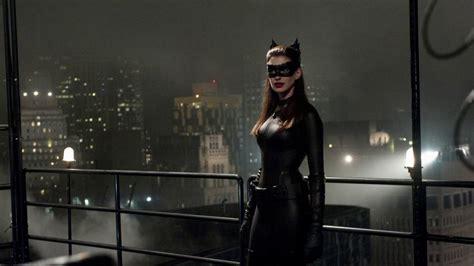 catwoman wallpaper dark knight anne hathaway catwoman batman the dark knight rises