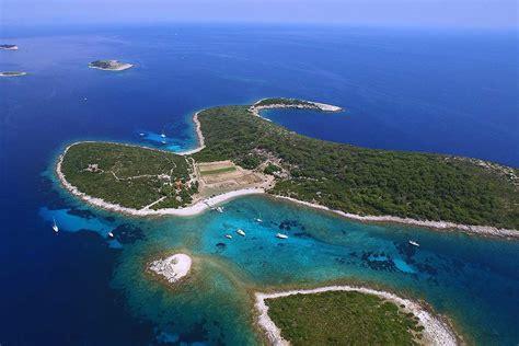 of island the turquoise lagoon of budikovac island