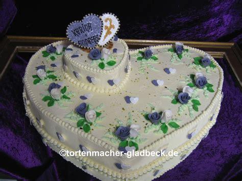 Hochzeitstorte Vintage Gr N by Hochzeitstorten Gelsenkirchen Cremeweisse Torte