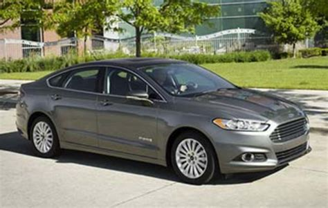compare ford fusion to toyota camry compare ford fusion hybrid and toyota camry hybrid