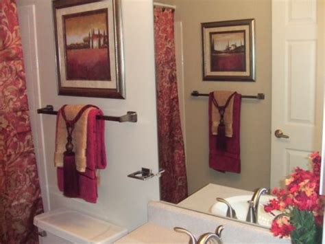 bathroom towel decorating ideas inexpensive bathroom decorating ideas