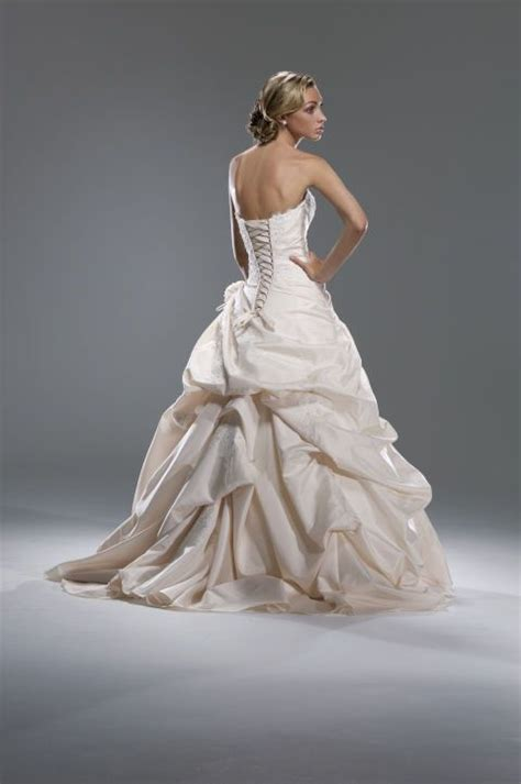 Dress Phing Phing 17 best ideas about wedding dress bustle on