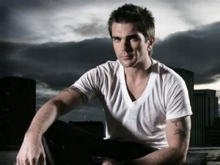 juanes biography in english juanes biography birth date birth place and pictures