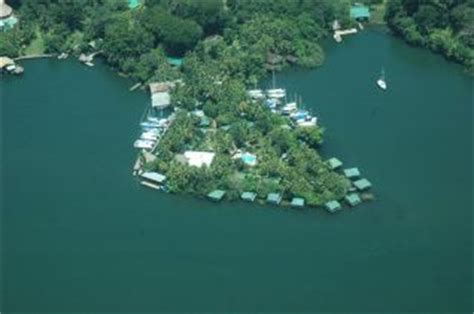 catamaran hotel parking hotel catamaran in fronteras rio dulce izabal