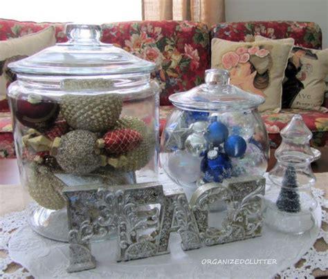 Coffee table christmas http organizedclutterqueen blogspot com