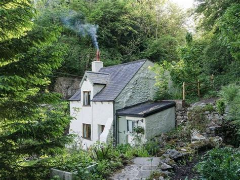 rock cottage ref uk4098 in matlock cottage weekend