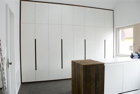 Einbauschrank Bad by Bad Einbauschrank Unter Dachschr 228 Ge Und Garderobe