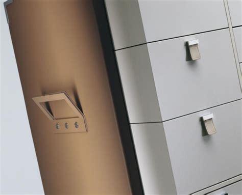 schlafzimmer lagerschrank kompakter lagerschrank f 252 r ordnung im schlafzimmer