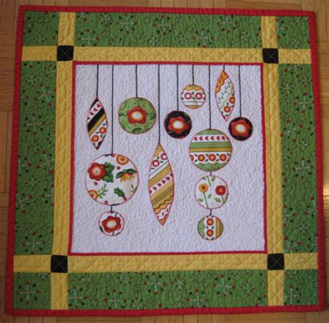 free patterns christmas ornaments quilted christmas ornaments mini quilt aiming for accuracy