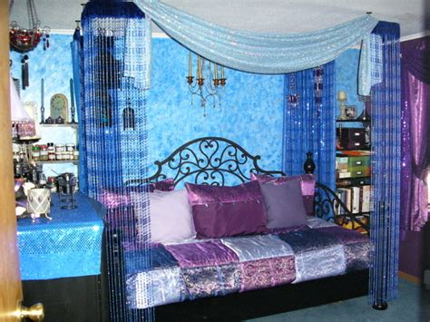 combo of blue purple interior exterior decorating ideas