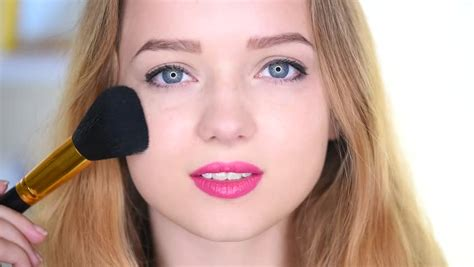 full hd video com blush brush footage stock clips