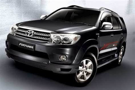 Toyota Forrunner Umw Toyota Facelifts The Hilux Innova And Fortuner