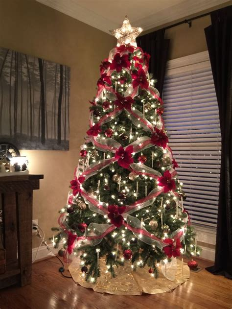 christmas tree decorate ideas pictures are decorating their trees with flowers and the results are beautiful