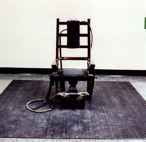 elektrischer stuhl überlebt provokante kagne benetton setzt junge arbeitslose f 252 r