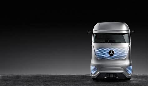 Design of the future ? the Future Truck 2025.   Mercedes Benz
