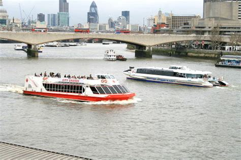 thames river cruise offers stress free ways to navigate london wicked good travel tips