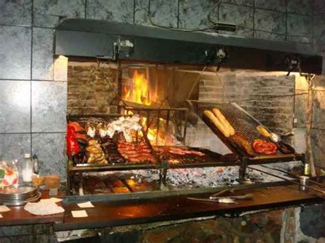 , parrilla: Typical Uruguayan grill (BBQ)   VERNON KITCHEN