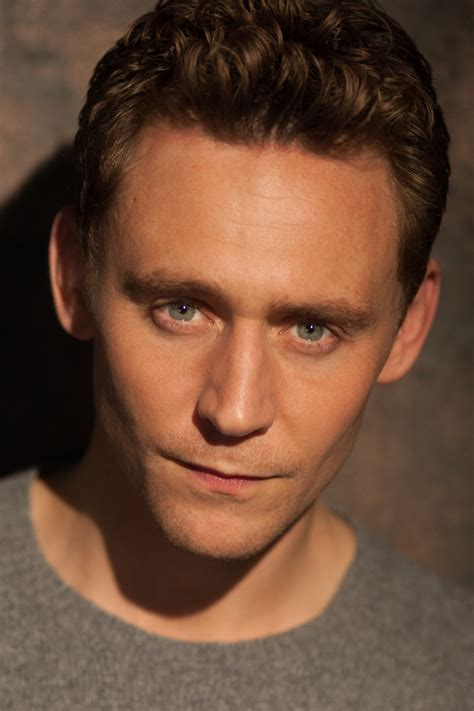 pictures gallery tom hiddleston photo gallery high quality pics of tom hiddleston theplace