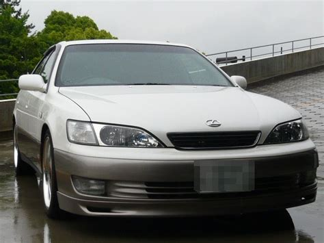 anybody where to purchase 99 es300 lip spoiler club
