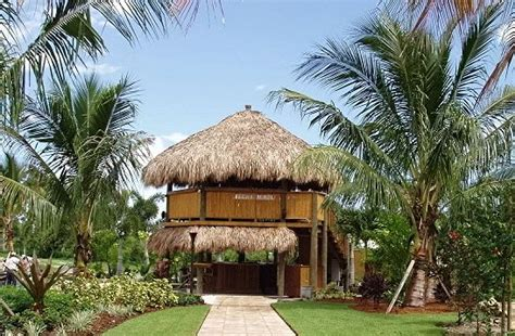 tiki hut thatch roofing tiki huts chickee huts thatched roofs tiki bars