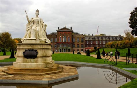 who lives in kensington palace on the royal trail in london expedia blog