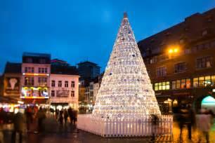 ceramic plate christmas tree in hasselt belgium by mooz