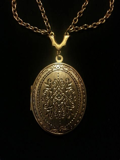 Kalung Rantai Liontin T1505104 gambar rantai perhiasan kalung emas perak medali menghadiahkan liontin fashion
