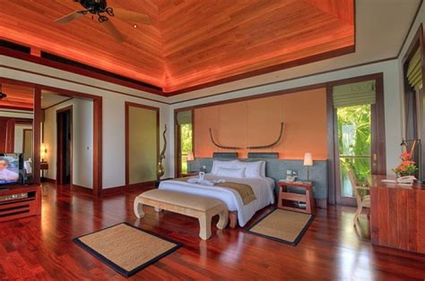 bedroom luxury seaside villa  phuket  enchanting